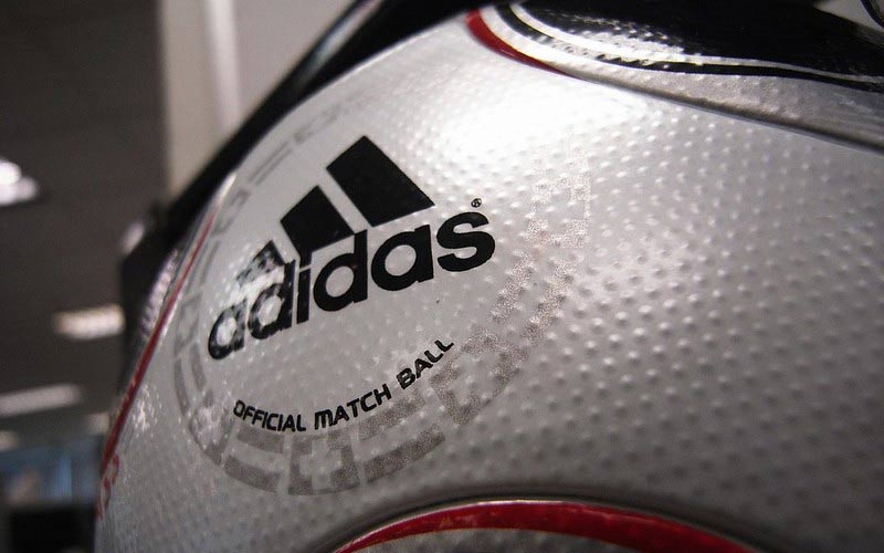 Adidas: Covid-19 brings down the Q1 results