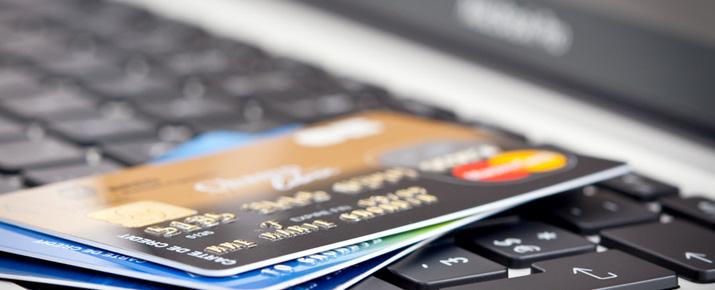 Comment transférer de l'argent en ligne par carte bancaire