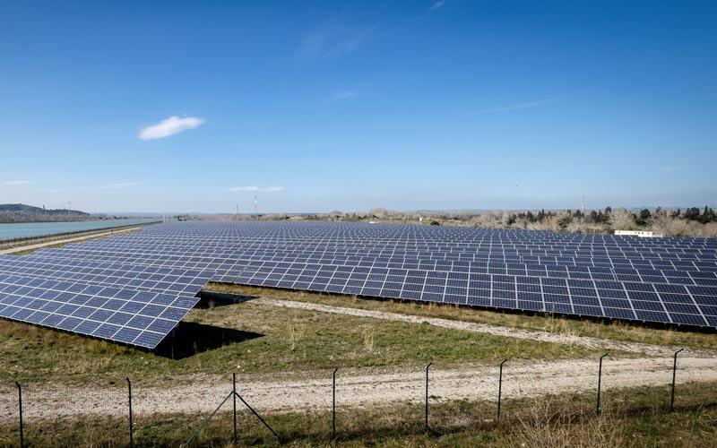 EDF lance un immense projet solaire à Abu Dhabi