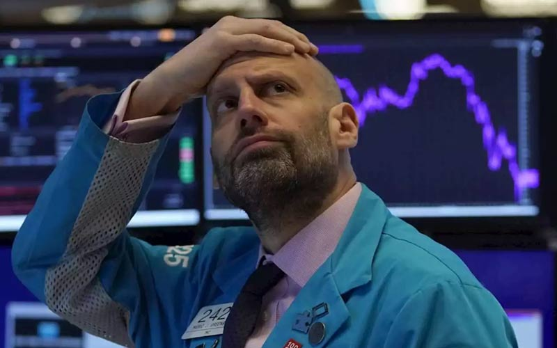 Falling European markets, the virus and lower SAP forecasts weigh on the market