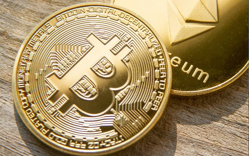 Should we expect Bitcoin and cryptos to continue their upward trend in 2020?