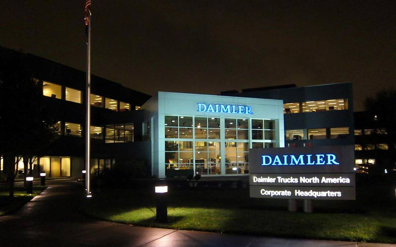 DAIMLER: Earnings dropped 78% in the first quarter