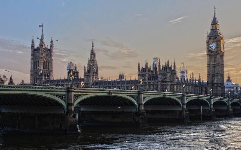 Gran Bretagna: a marzo il PIL è sceso del 5,8%